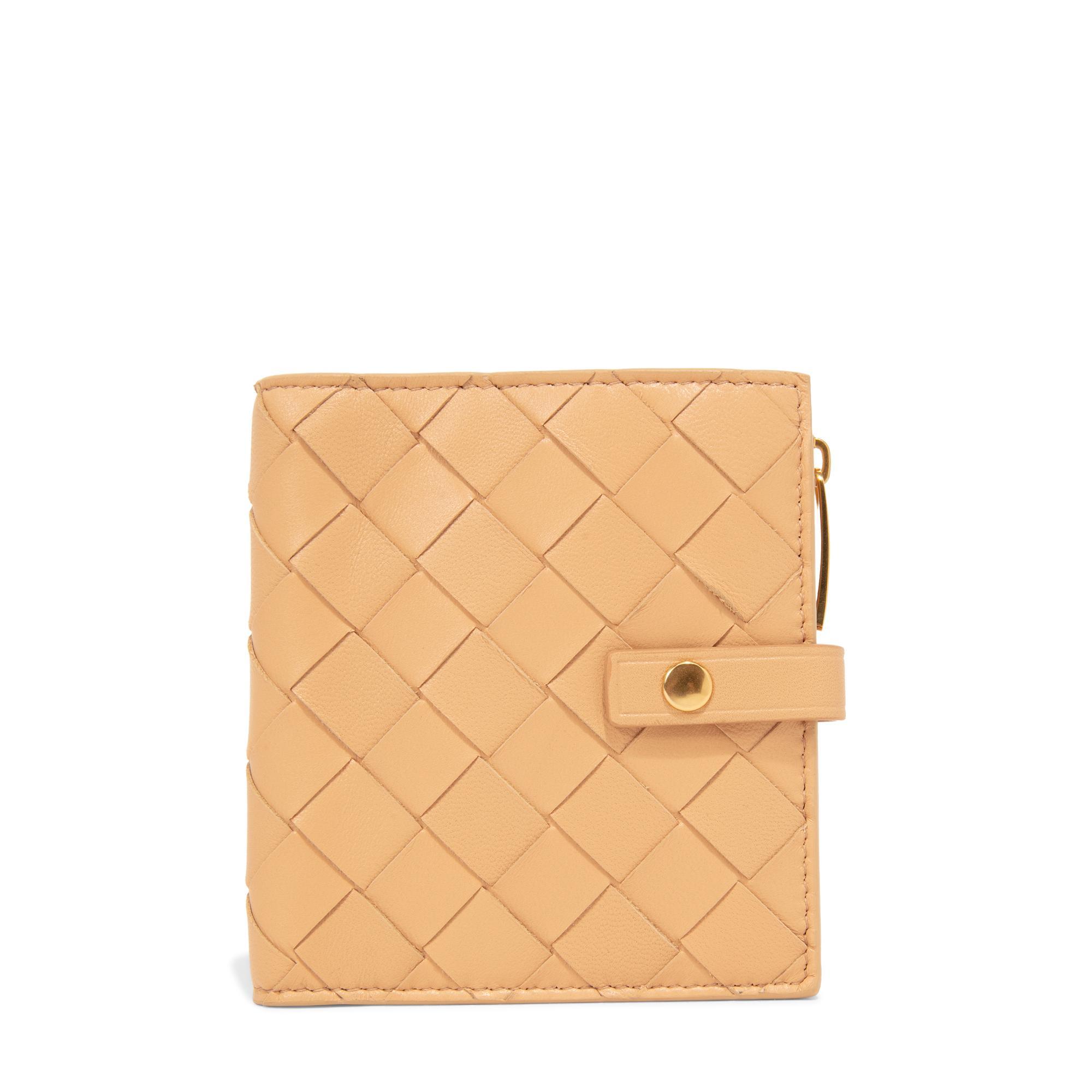 Bi-fold continental wallet